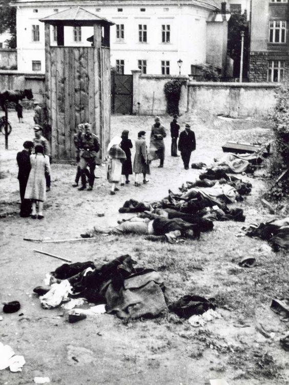 lviv massacre intelligentsia.jpg